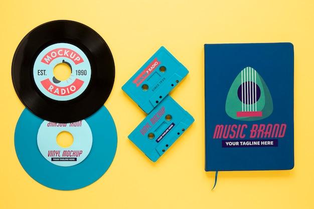 비닐 레코드 모형과 구색