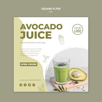 Modello di volantino quadrato di succo di avocado con foto