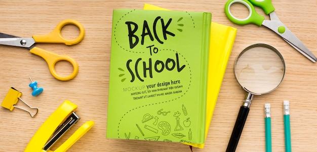 Ritorno a scuola composizione mock-up