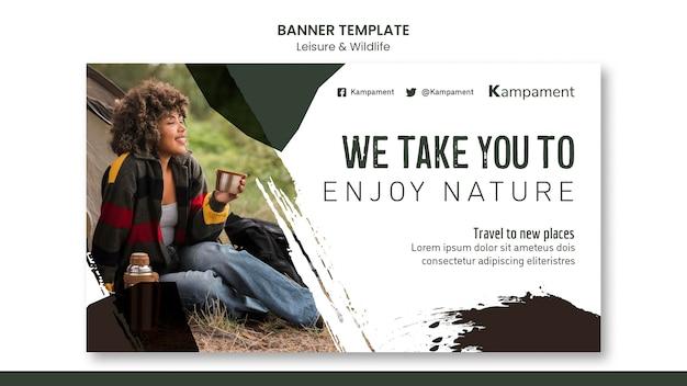 Modello di banner per l'esplorazione della natura e il tempo libero