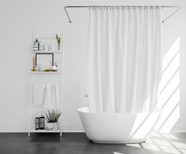 Ванна с занавеской и полкой