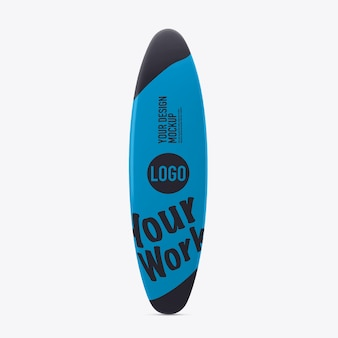 흰 벽에 비치 서핑 보드