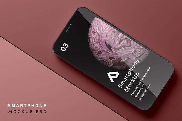 分離された美しいリアルなスマートフォンのモックアップ