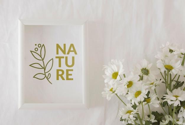 Красивый весенний цветочный концепт макет