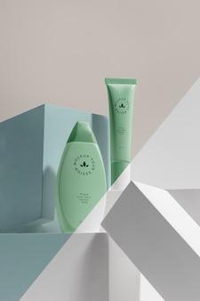 美容ブランドのモックアップ化粧品構成