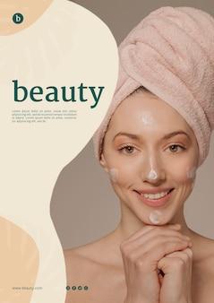 Шаблон постера красоты с женщиной