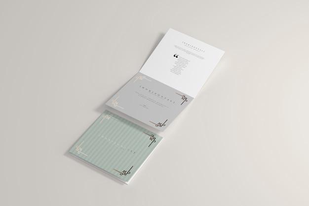 二つ折り水平正方形パンフレットモックアップ
