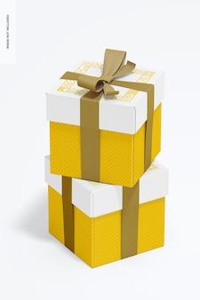 리본 모형이있는 빅 큐브 선물 상자