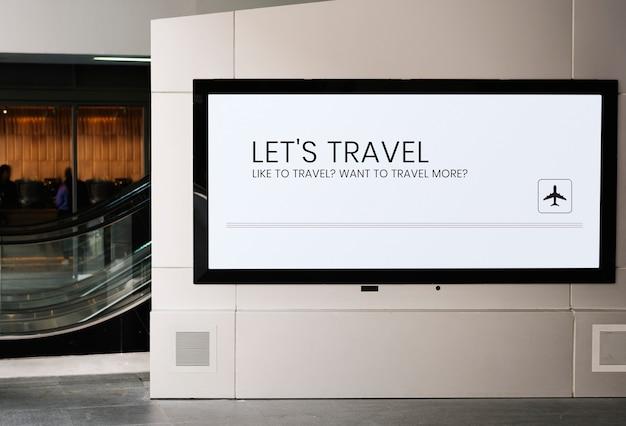 Макет рекламного щита возле эскалатора на железнодорожной станции