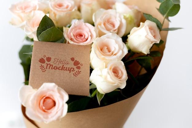 Цветы на день рождения с набором макетов открыток