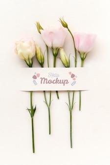 Цветы на день рождения с композицией макета карты