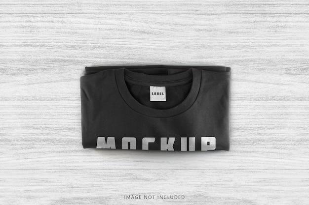 黒の折り畳まれたtシャツのモックアップ