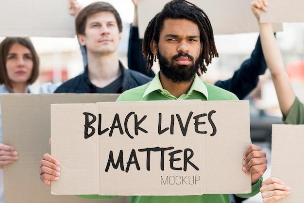 Il nero vive il concetto di materia mock-up