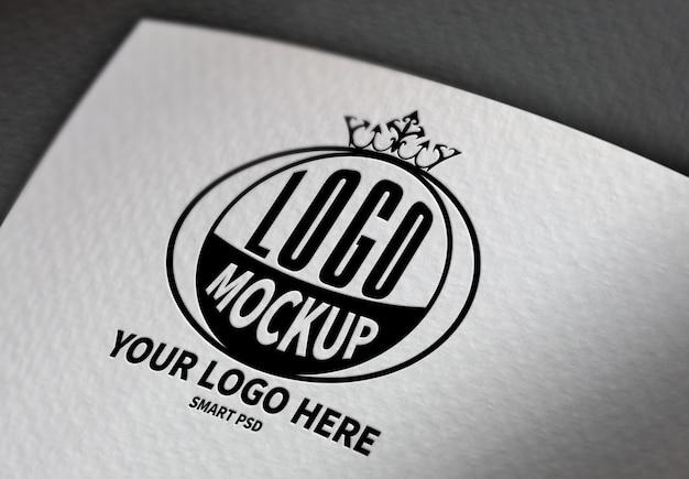 Черный логотип макет на белой бумаге