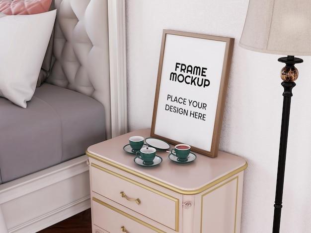 Мокап пустой фоторамки в спальне