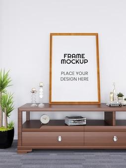 책상에 빈 사진 프레임 모형