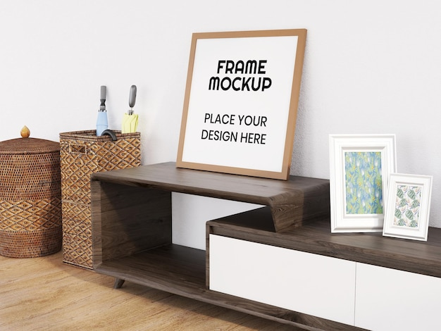 미니멀리스트 책상에 빈 사진 프레임 모형