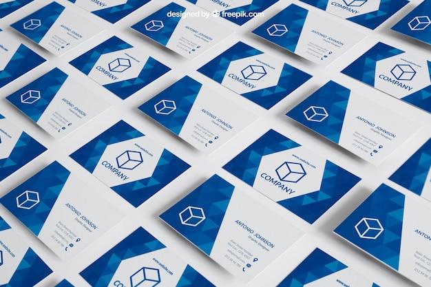 Mockup di biglietto da visita blu sul pavimento