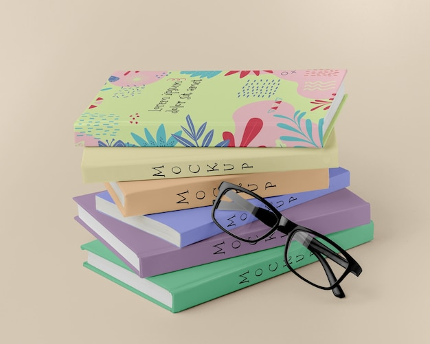 メガネを使った本の手配