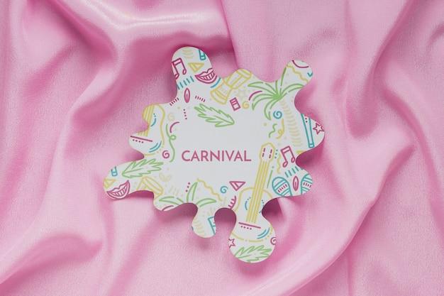 Бразильский карнавальный вырез на ткани