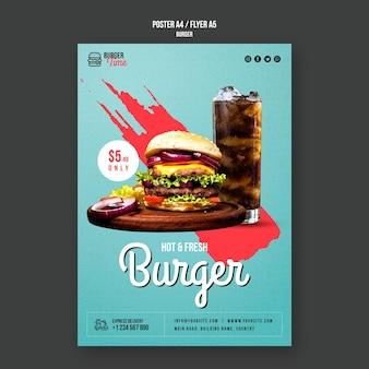 Modello di volantino concetto hamburger