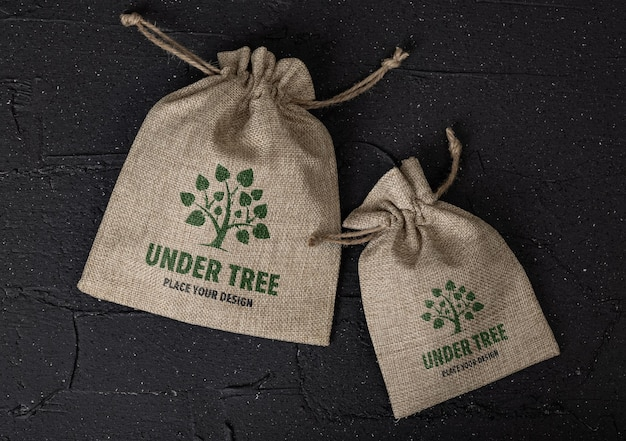 Мешок из мешковины с дизайном макета логотипа