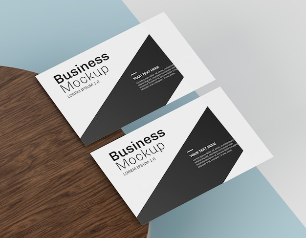 Business card mock-up on table
