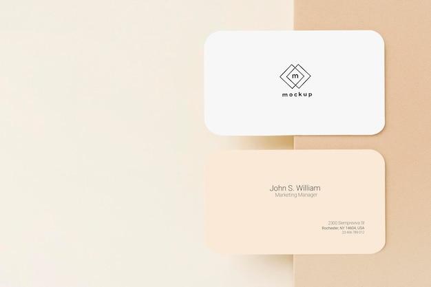 Макет визитной карточки с копией пространства, лицевой и оборотной стороны