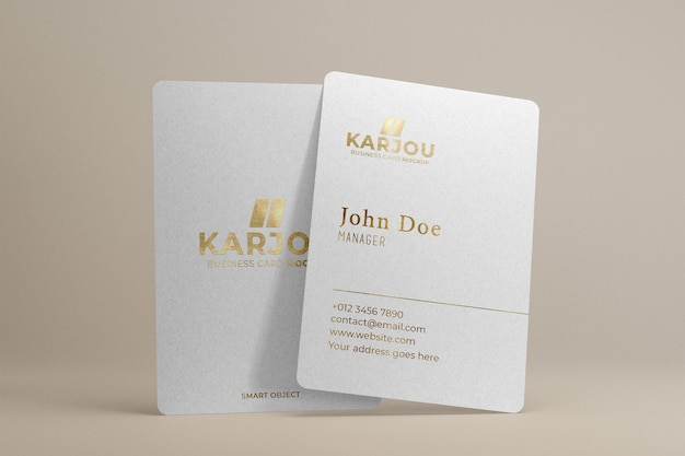 Макет визитной карточки с золотым дизайном