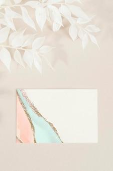 装飾された枝のモックアップと名刺