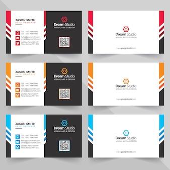 さまざまな色のビジネスカード