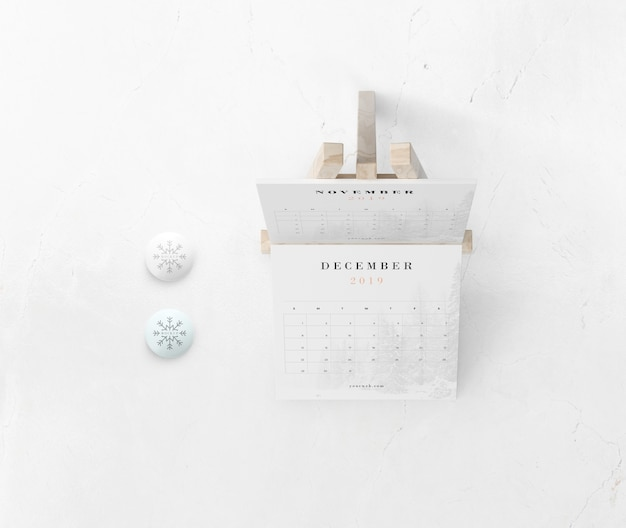 Календарь по росписи миниатюрных подставок