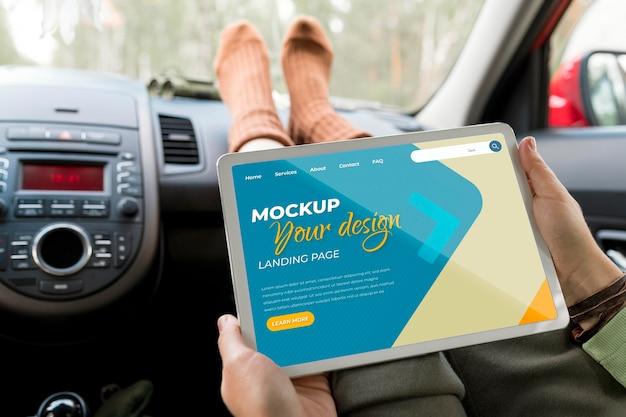 Mock-up di concetto di viaggio in auto