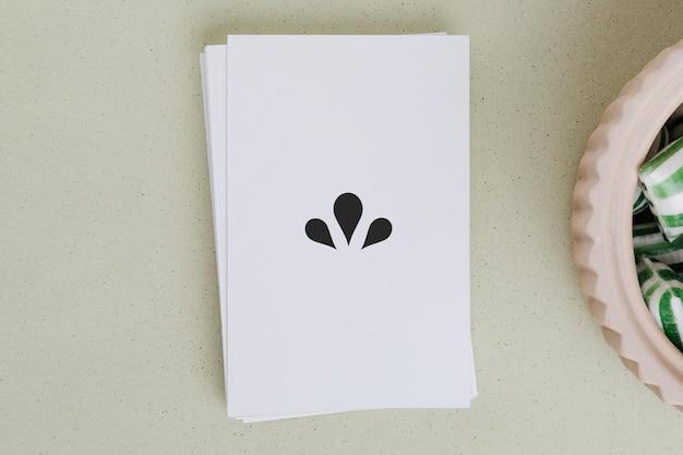 キャンディーのボウルによるカード