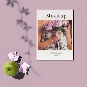 リンゴと花のカード