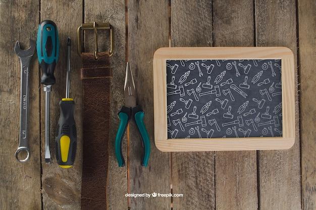 黒板、ベルト、工具