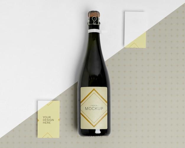 Mock-up di bottiglia di champagne felice anno nuovo