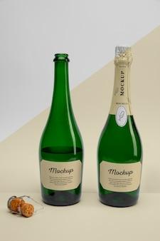 Bottiglie di champagne con mock-up