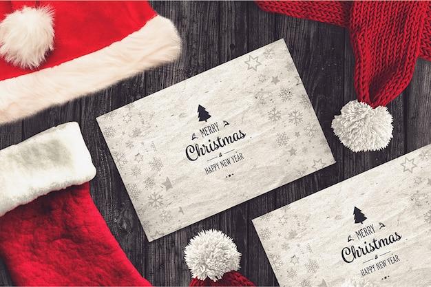 Рождественская открытка с шляпой санта