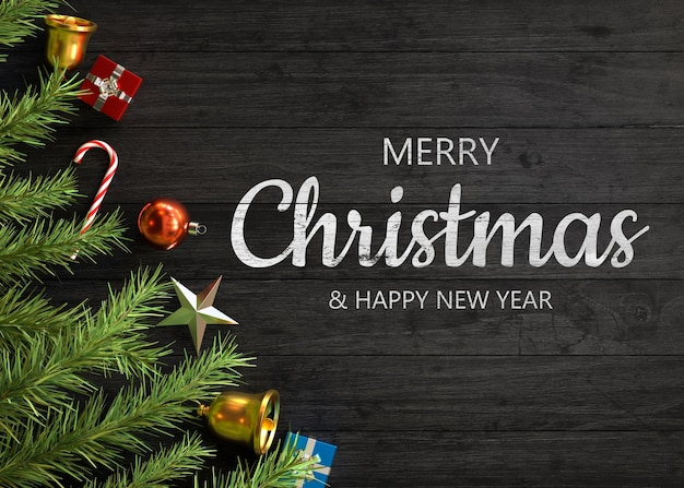 나무에 크리스마스 장식
