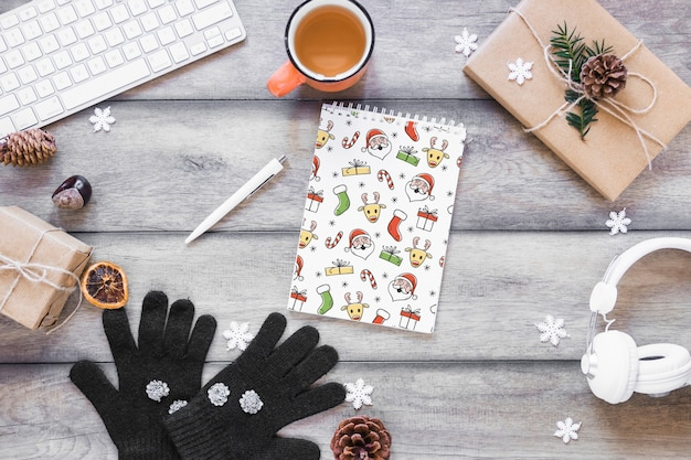 スパイラルメモ帳のクリスマスモックアップ