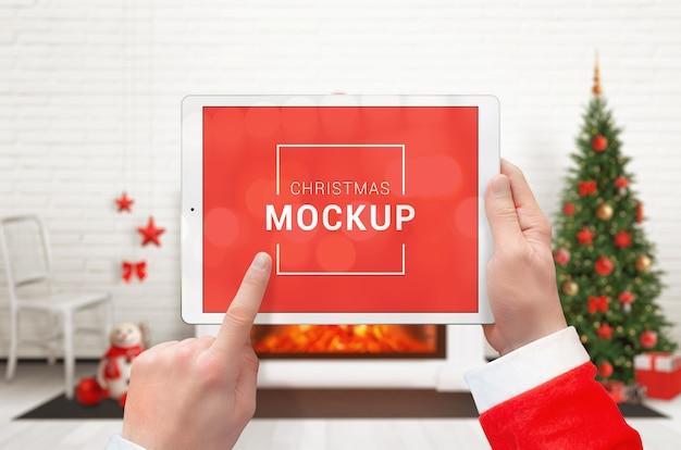 水平位置のクリスマスタブレットモックアップ