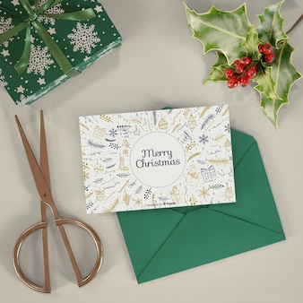 クリスマスカードとプレゼントモックアップ