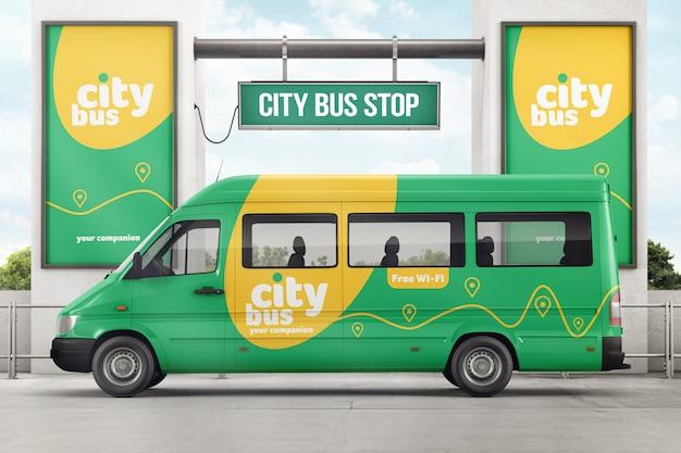 Городской автобус на автобусной остановке, брендинг макет