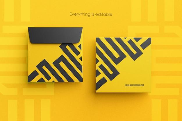 きれいな封筒のモックアップの正方形のサイズ