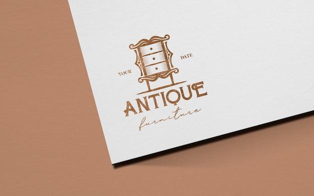 Чистый бумажный макет логотипа из мягкого розового золота