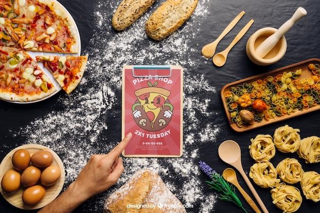 Макет клип-карты с дизайном пиццы
