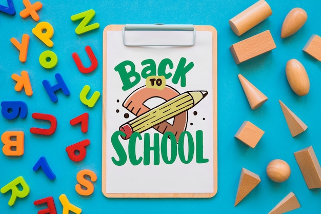 다시 학교 개념으로 클립 보드 모형