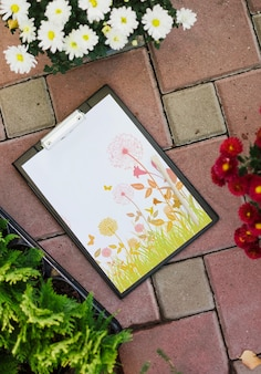 Clipboard mockup with flowers