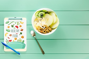 Clipboard mockup with healthy food